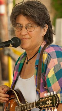 Pippa Letsky and friends will play for the MMTD contra dance on November 15, 2013.